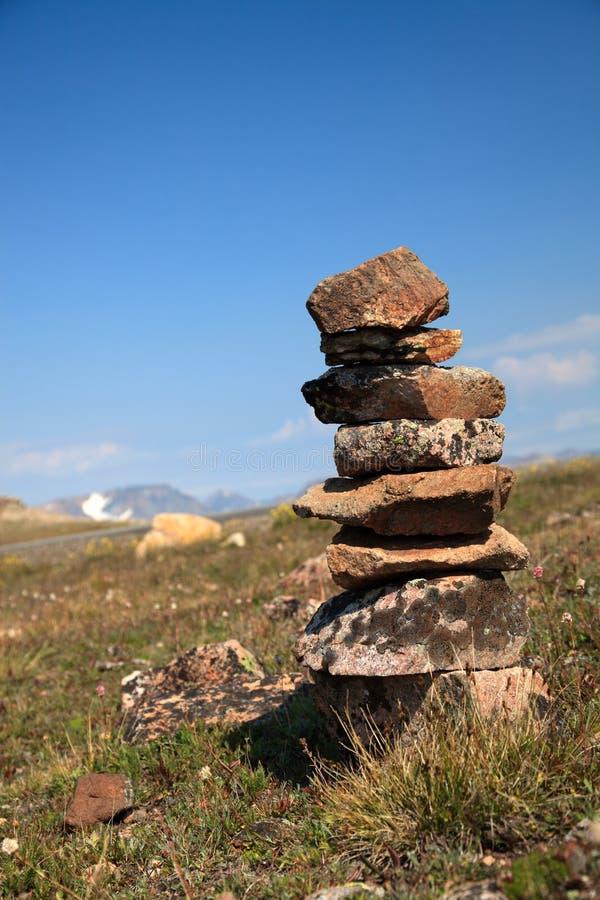 Утесы спокойствия горной вершины стоковые фотографии rf