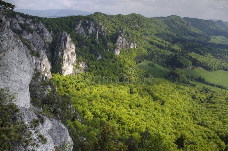 Утесы Sulov и горы, Словакия стоковые изображения