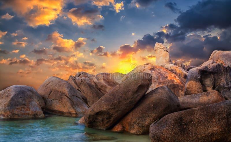 Утес от тайского острова Koh Samui стоковые фотографии rf