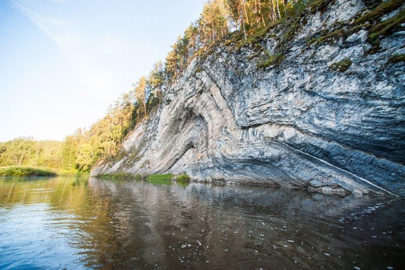 главный скала доменные ворота на реке белой картинки гассиев один самых