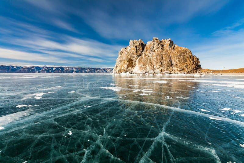 Утес шамана, зима Lake Baikal Россия стоковые изображения rf