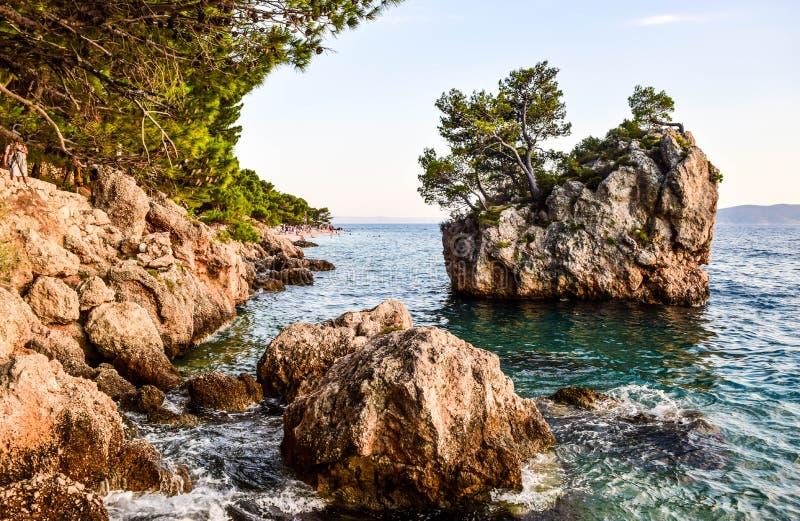 Утес Brela, Хорватия стоковое фото rf