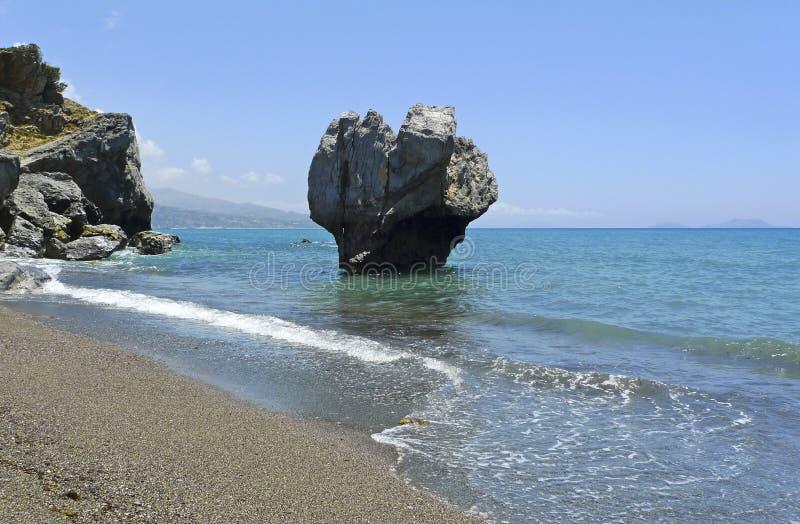 утес preveli пляжа известный стоковая фотография rf
