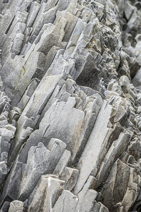 Утес Vulcanic на Reynisdrangar, Исландии стоковые фото