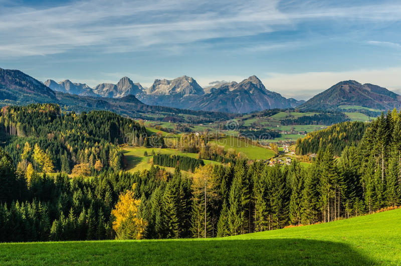 Утро в Альпах стоковое изображение rf