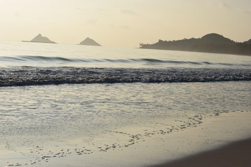 Утро в пляже Kailua, Гаваи стоковые изображения