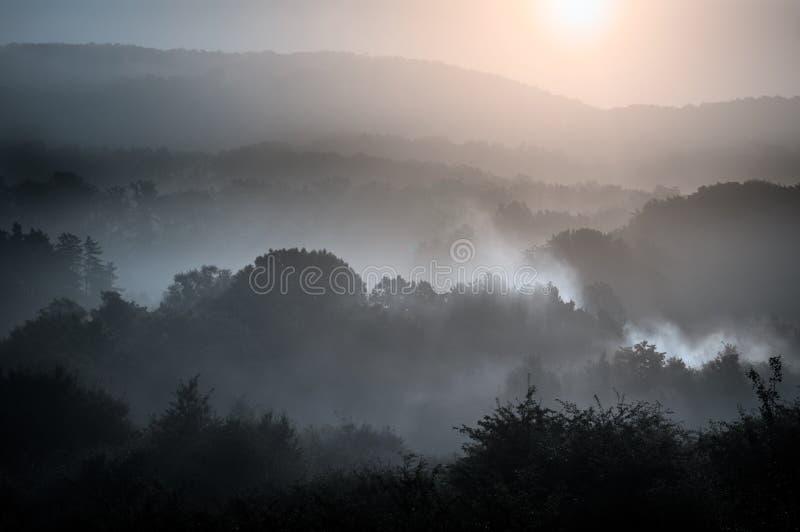 Утро над горами стоковое изображение rf