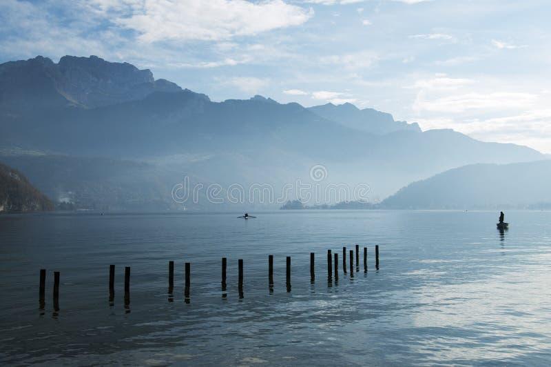 утро озера annecy стоковое фото rf
