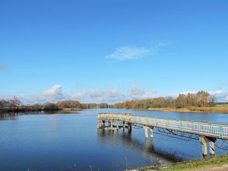 Утро около озера, Литвы стоковые фотографии rf