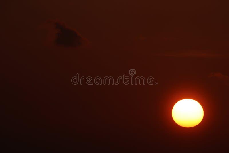 Утро Солнце воюя ночу стоковая фотография