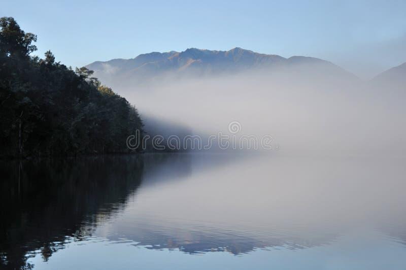 Утро Haupiri озера стоковое изображение rf