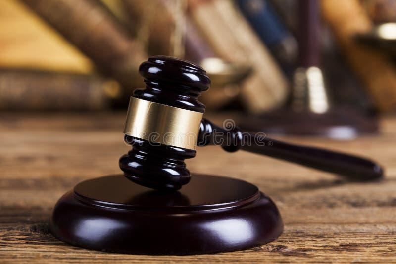 Ухаживайте молоток, тему закона, мушкел судьи стоковое изображение