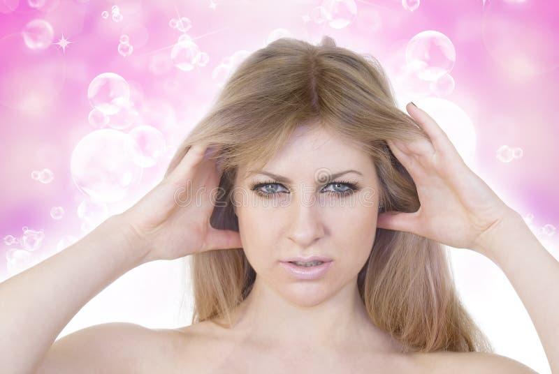 Уход за волосами для женщины стоковое изображение rf