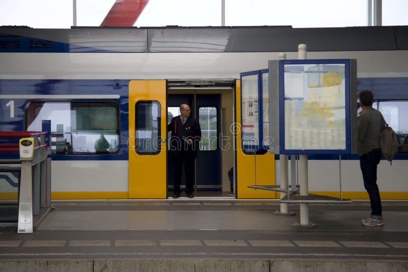 Уходя вокзал Амстердам Amstel стоковые изображения rf