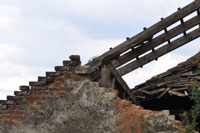 Ухудшенный дом стоковое фото rf
