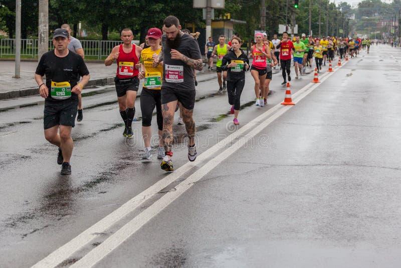Участники марафона стоковая фотография