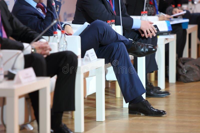 Участники международной конференции стоковое изображение rf