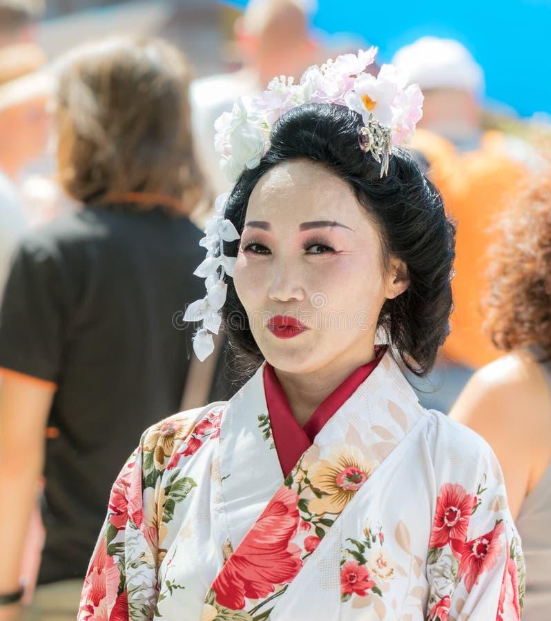 Участник фестиваля в традиционном платье японской женщины на ` Иерусалиме фестиваля ежегодника Knights ` стоковое изображение