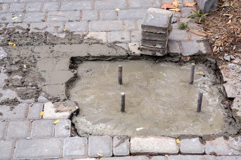 Учреждение политое с жидкостным бетоном стоковая фотография