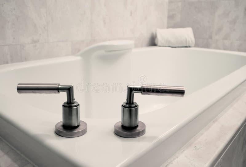 ушат ванной комнаты просто Стоковая Фотография