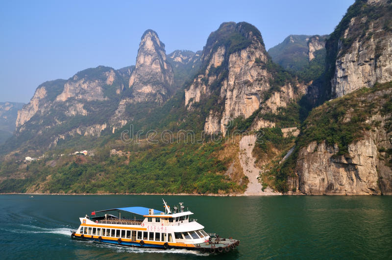 Ущелье Xiling вдоль Рекы Янцзы стоковое изображение rf