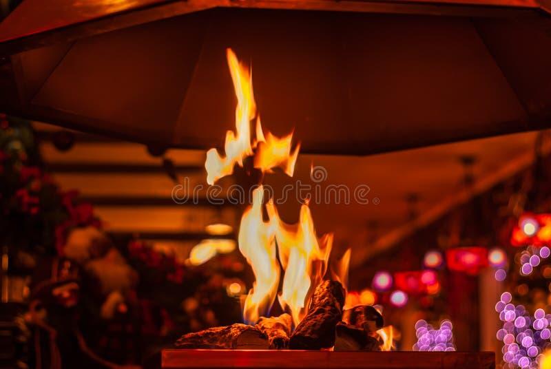 Уютная газовая плита привлекательное добавление стоковое изображение