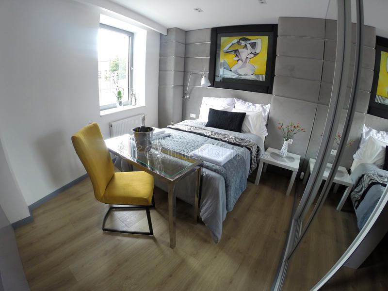 Уютная квартира в центре Гданьска стоковая фотография rf
