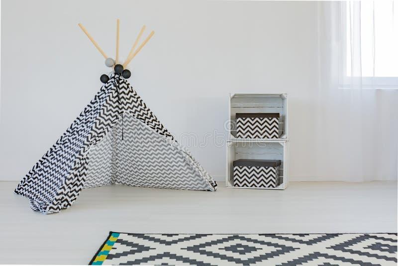 Уютная комната для младенца стоковые изображения