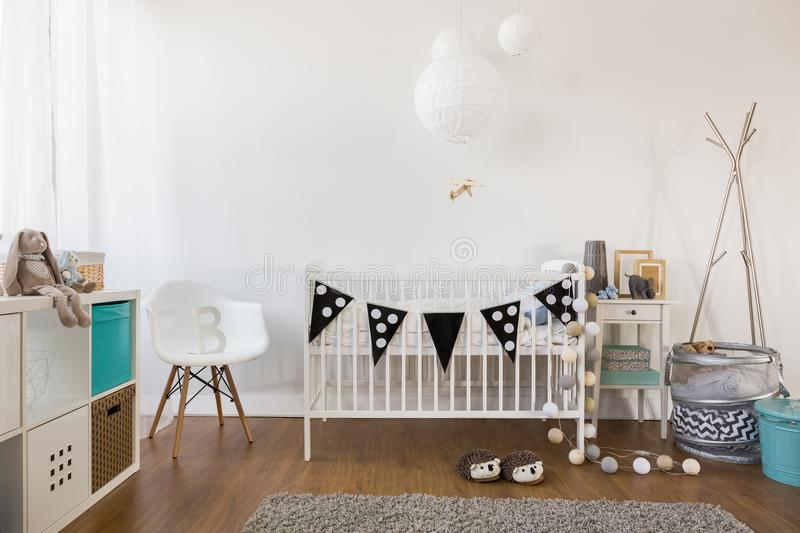 Уютное оформление комнаты младенца стоковое изображение rf