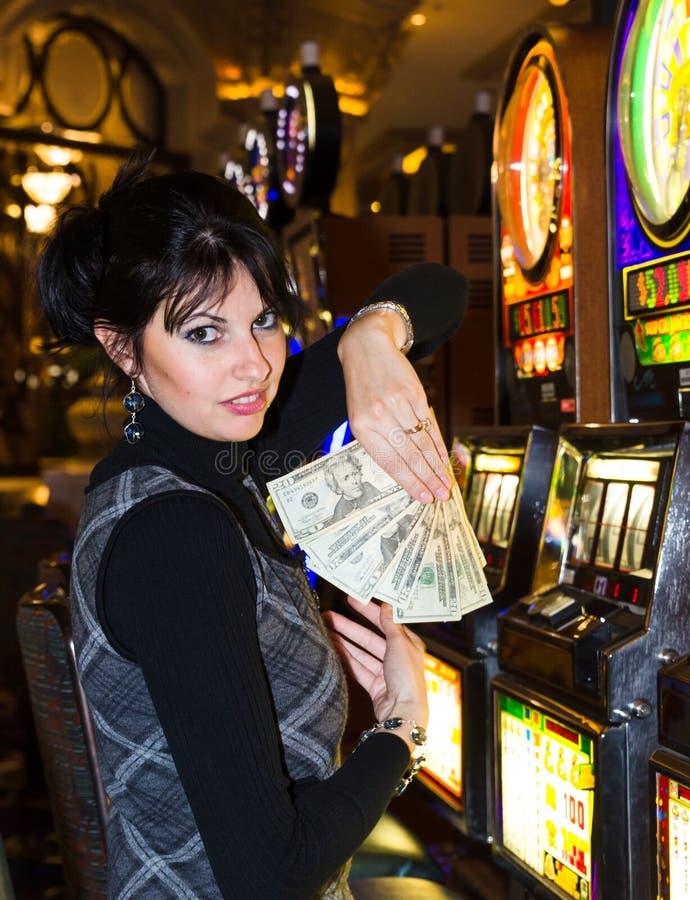 Dinero casino highest paying symbol of slot machines
