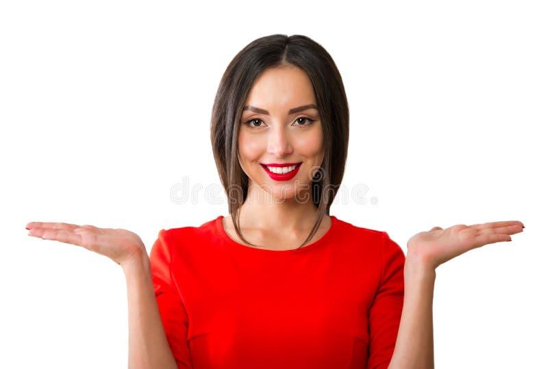 Удивленная ладонь рук показа женщины открытая стоковые фото
