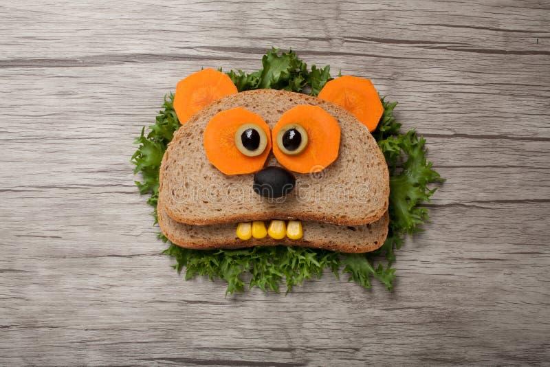 Удивленная панда сделанная из хлеба стоковая фотография rf