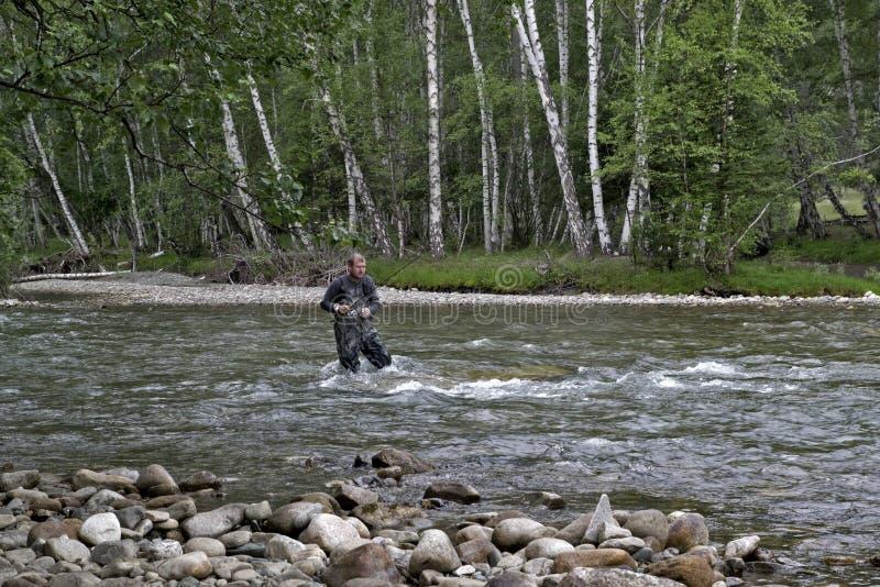 ловля удочкой на горной речке