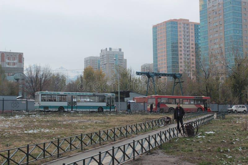Улица в Алма-Ате, Казахстан стоковые фотографии rf