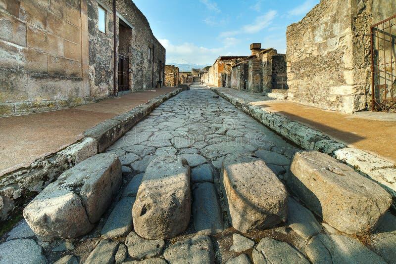 Улица в руинах Pompei, Италия стоковые изображения rf