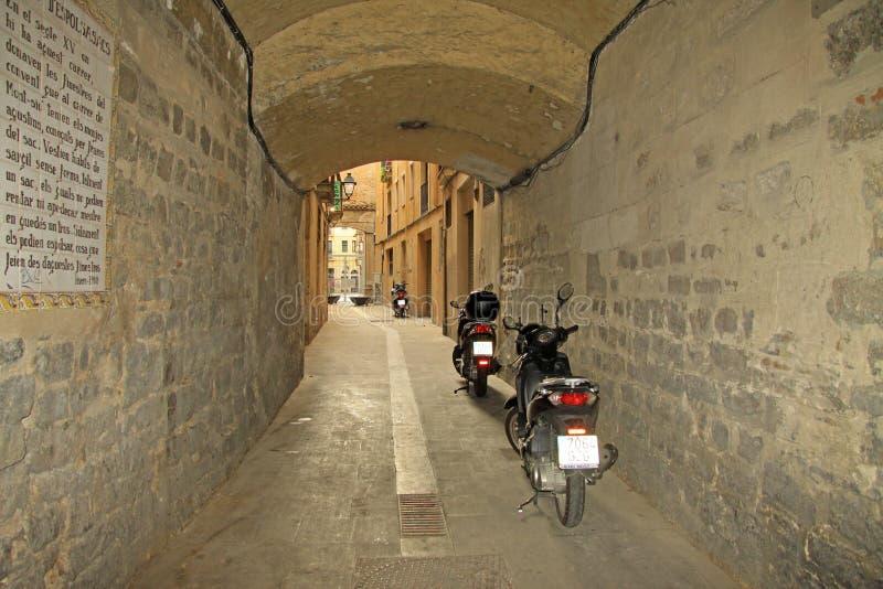 Улица в Ciutat Vella (старом городке) в Барселоне стоковая фотография rf
