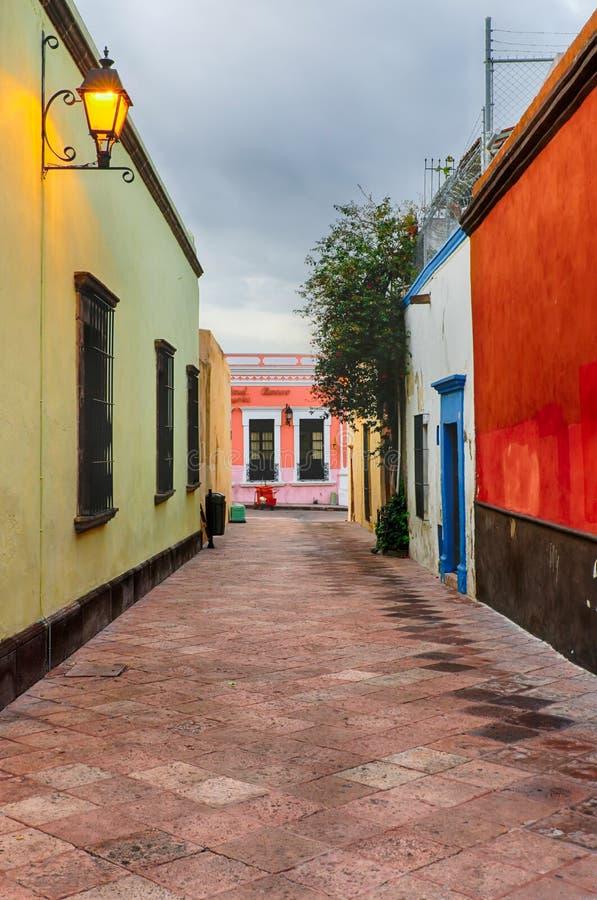 Улица в Queretaro, Мексике стоковое фото