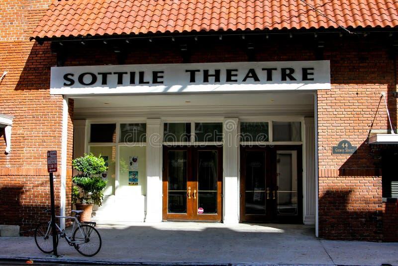 Улица Джордж театра Sottile, Чарлстон, SC стоковое изображение rf