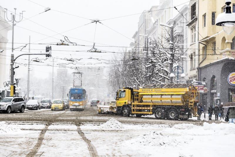 Улица зимы в Софии, Болгарии стоковые изображения