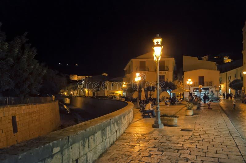 Улица ночи, Scicli, Сицилия, Италия стоковое изображение rf