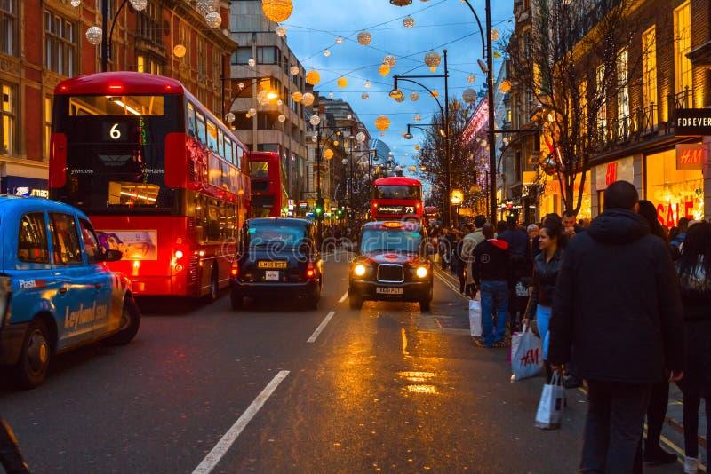 Улица Оксфорда в дне рождественских подарков стоковая фотография