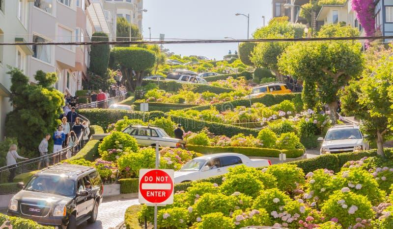Улица ломбарда в Сан-Франциско, США стоковые фотографии rf