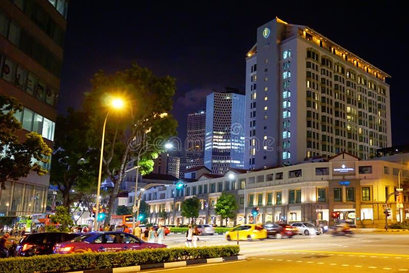 Улица Сингапура в соединении Bugis к ноча стоковое фото