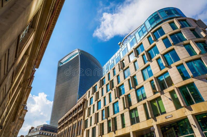 Улица Fenchurch небоскреба 20 в Лондоне, Великобритании стоковые фотографии rf
