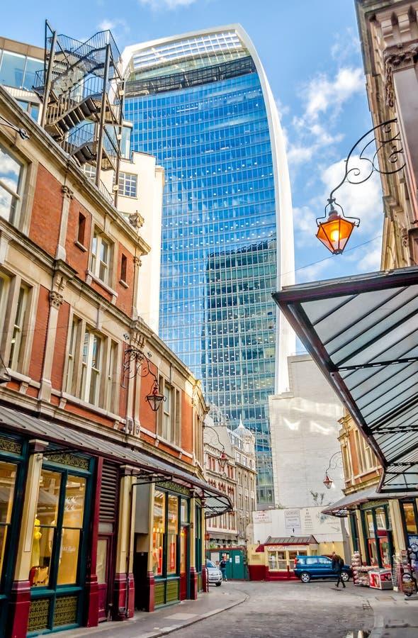 Улица 20 Fenchurch, aka башня звукового кино Walkie, Лондон стоковые фотографии rf