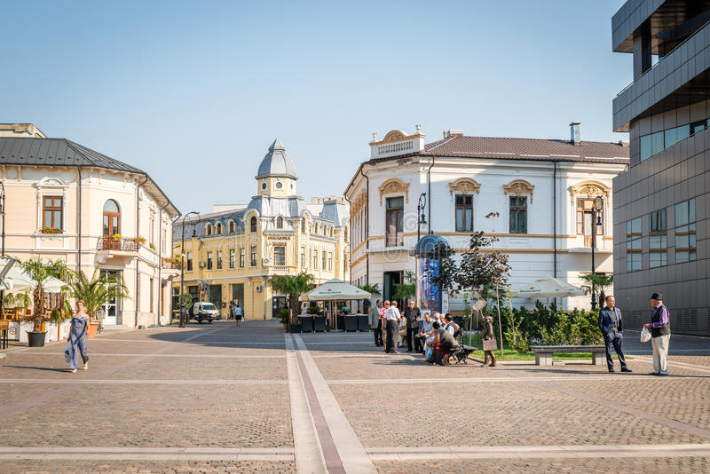 Улица Fratii Buzesti в Craiova, Румынии стоковое фото