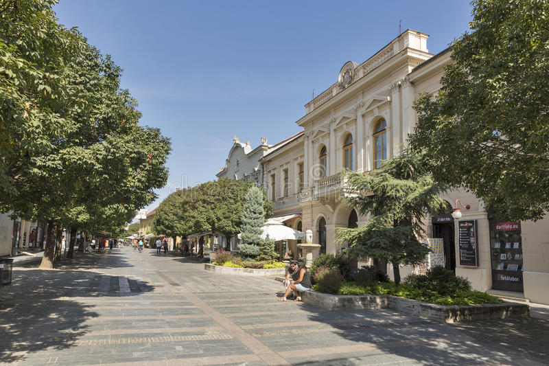 Улица Kossuth Lajos в Keszthely, Венгрии стоковое фото rf