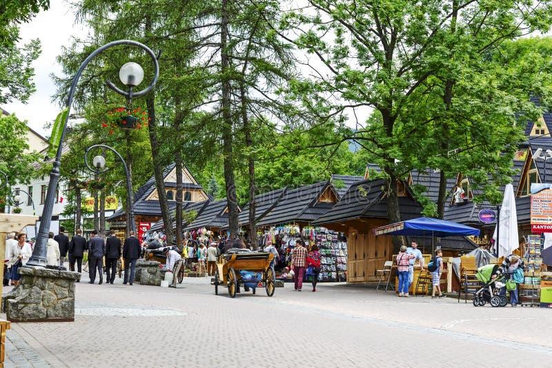 Улица Krupowki и коммерчески павильоны стоковое фото rf