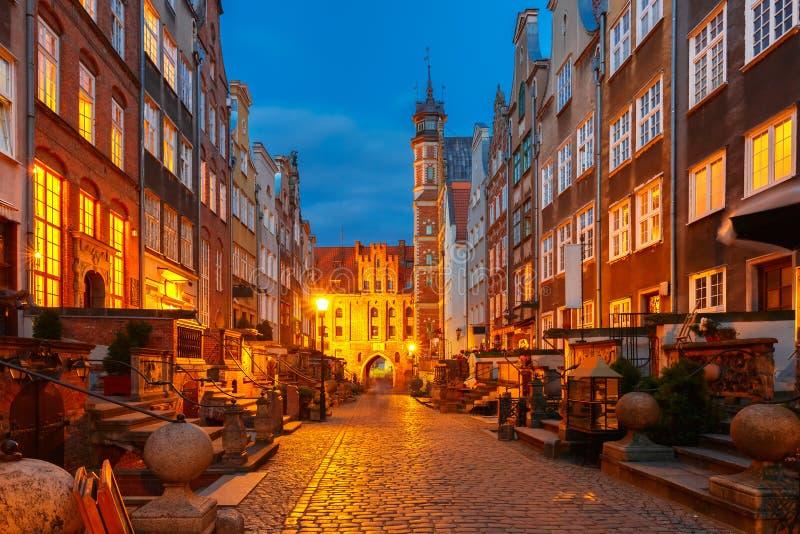 Улица Mariacka и строб, городок Гданьска старый, Польша стоковое фото rf