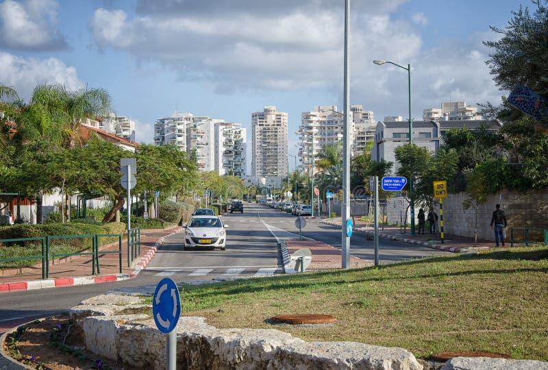 Улица Mivtsa Moshe в Rishon LeZion стоковые изображения